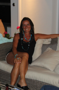 fiona-robertson-tonned-tanned-and-trim